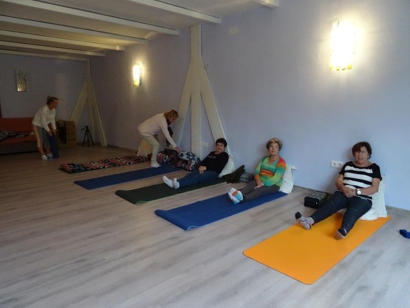 Escapada de Yoga de fin de semana para mayores de 50 años en Andalucía, España.